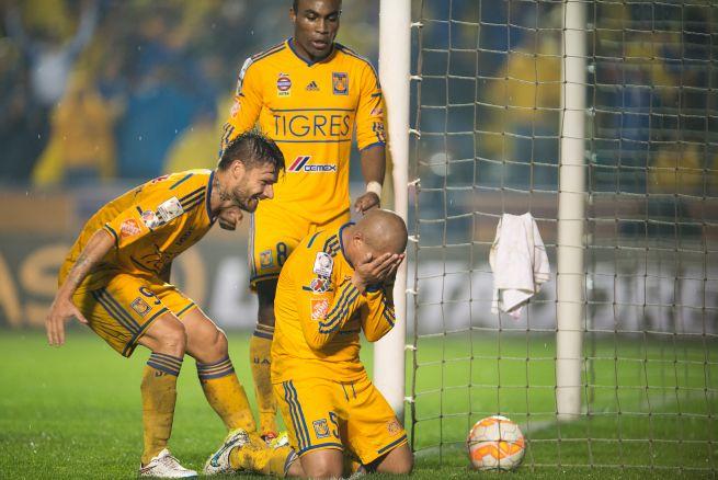 Sobis y Guerrón se están saliendo en Tigres.