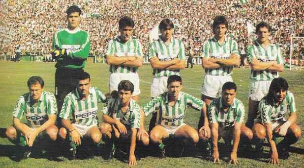 Puma Rodriguez on the right, down in an alignment of the end of Betis 80, early 90.
