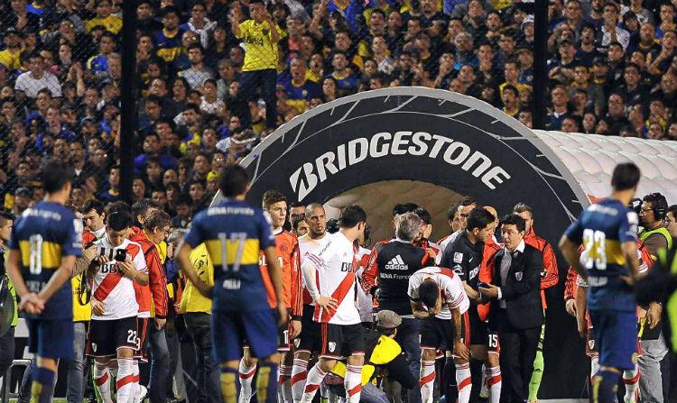 El Boca-River acabó en graves incidentes y con la expulsión de Boca de la Libertadores.