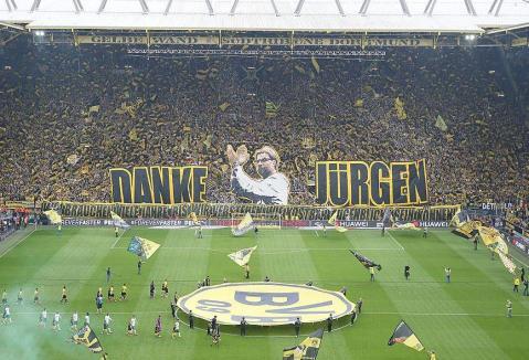 Así despidieron los hinchas del Borussia  a Klopp.