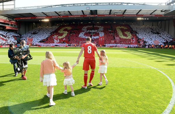 Así despidió Anfield a su ídolo.