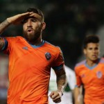 Otamendi, valencianista idol of demon