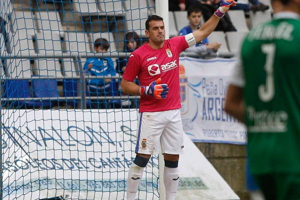 Esteban, the incombustible goalkeeper Real Oviedo