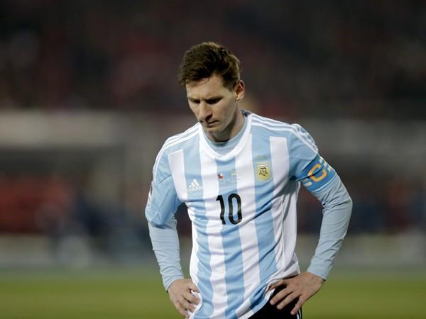 Messi sigue sin conseguir ganar nada con Argentina.