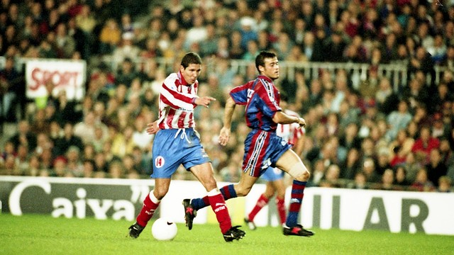 Luis Enrique in front of Simeone few decades ago. A struggle that repeats but now on the bench.