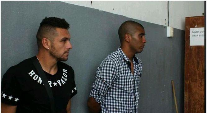 Alejandro Molina und Luis Gorosito Gesicht eine harte Strafe.