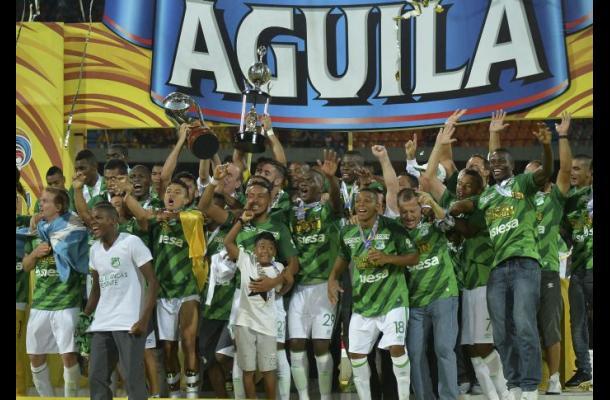 El Deportivo Cali se proclamó campeón del Apertura 2015 en Colombia.