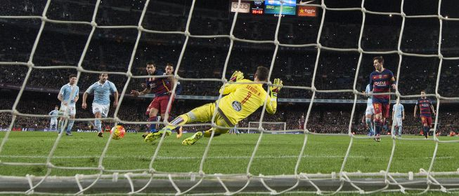 Messi emulated the penalty Cruyff but it was not the only one in history