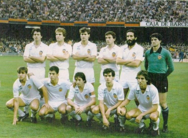 Sempere en una formación del Valencia de mitad de los 80.