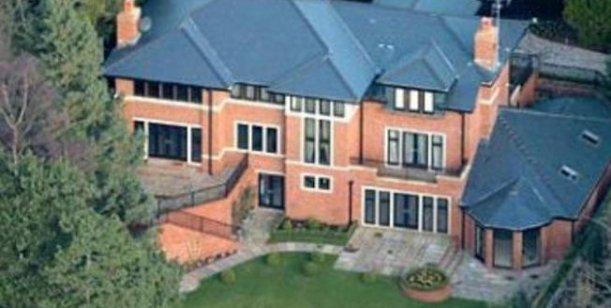 Tévez lebte hier während seiner Zeit bei Manchester United und Stadt.