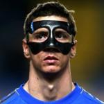 Futbolistas con mascara