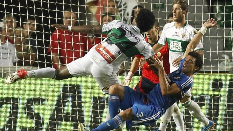 This action by Pepe who grabbed the arm of his opponent ran a penalty rather than offensive foul. It happened in Elche.