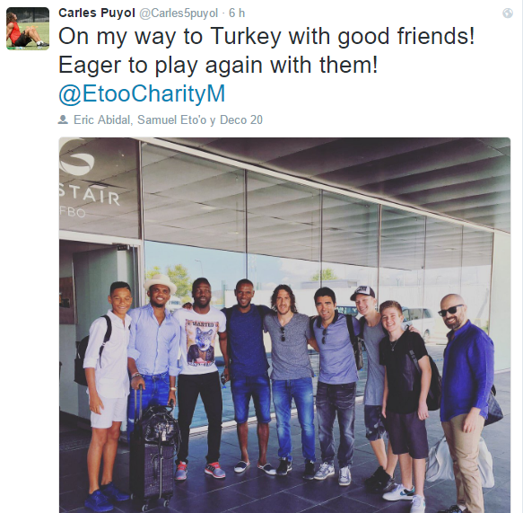 Puyol and several former Barca traveled at night to Istanbul. At night he would jump a coup. Photo: Twitter.