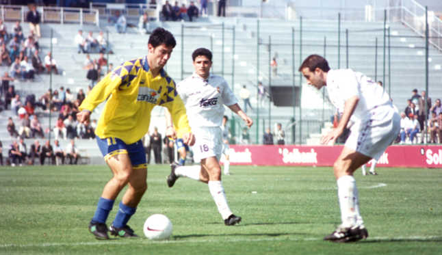 Turu Flores, in an image of 0-2 it's from the season 96-97 then against Real Madrid B. Photo: Laprovincia.es