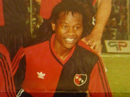Mtawalli con Newell´s en los 90.