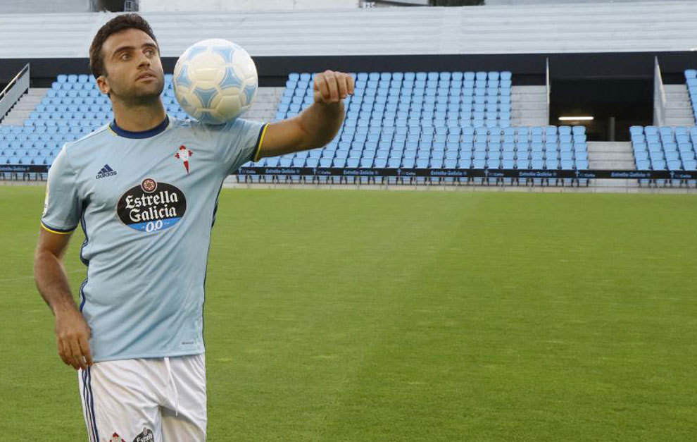 Rossi was presented by Celta for the season 2016/17.