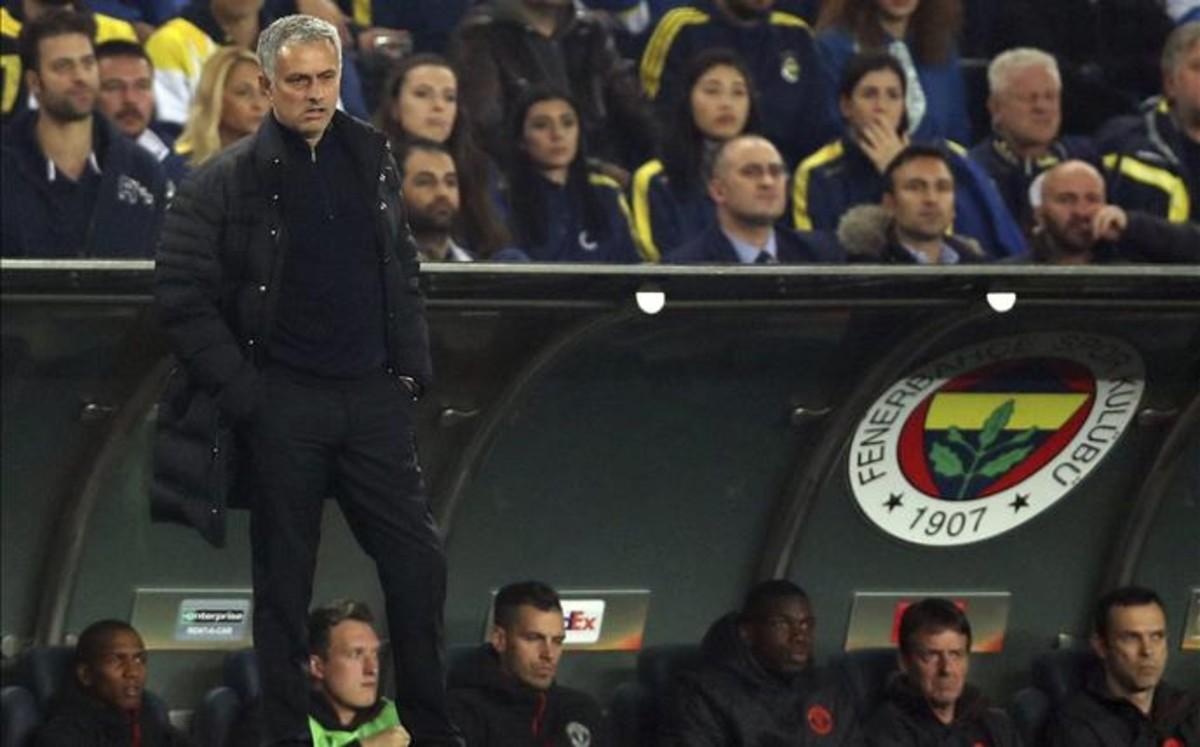 Mourinho raja contra sus jugadores tras su enésimo fracaso en el United