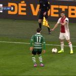 El feo gesto antideportivo de un jugador del Ajax que indigna a las redes sociales