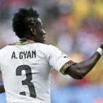 Gyan Asamoah durch ihr Haar sanktioniert