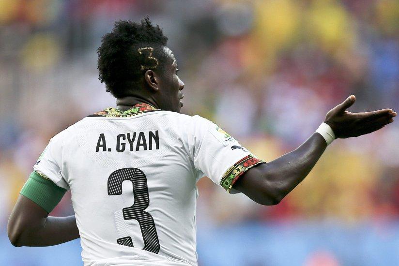 Asamoah Gyan sancionado por su peinado