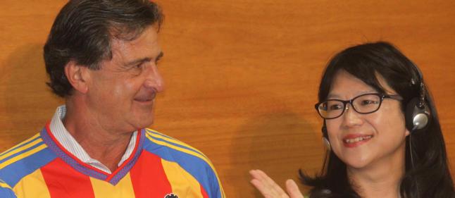 Kempes despedido como embajador del Valencia
