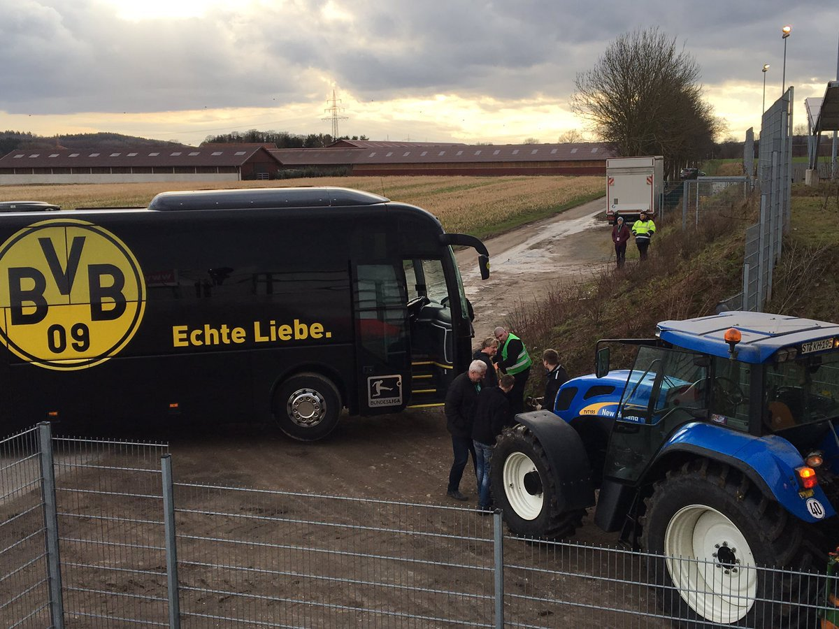 Marc Bartra, injured after an explosion at the bus Borussia Dortmund