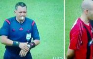 En Venezuela, un árbitro se niega a hacer un minuto de silencio y los jugadores lo cumplen por su cuenta