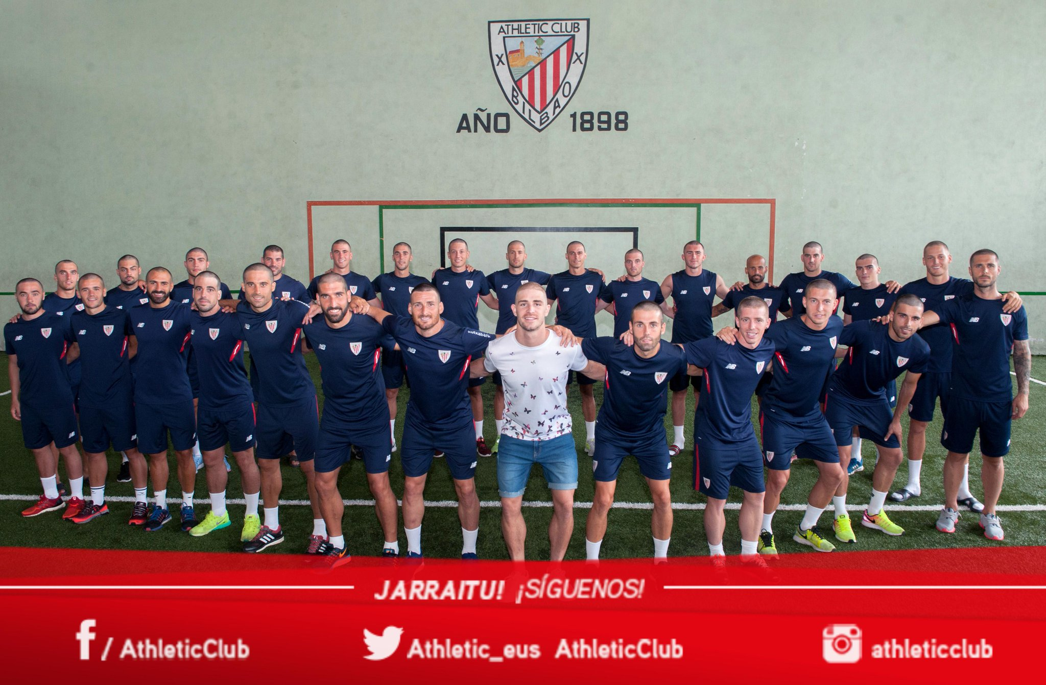 The lovely gesture template Athletic: head shaved to support Yeray