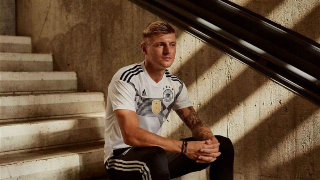 Esta es la preciosa camiseta que Alemania lucirá en el Mundial de Rusia  2018. Foto  La Nación. 6bc3fff6f3f73