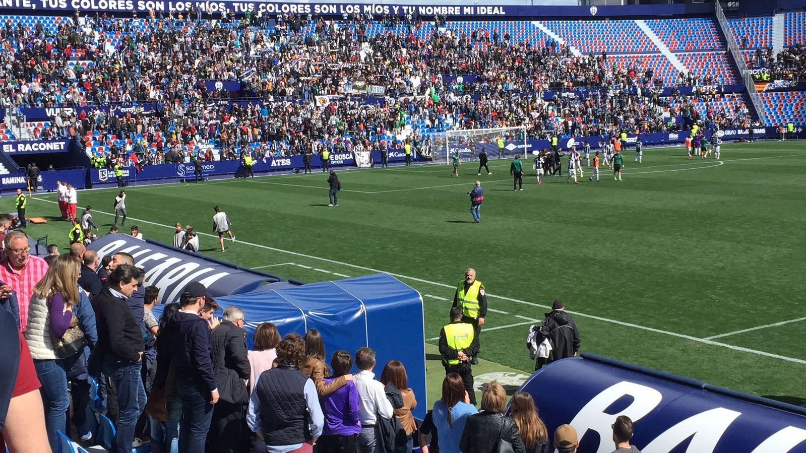 3.000 `orelluts´ se desplazan a Valencia para animar al CD Castellón en un partido de Tercera