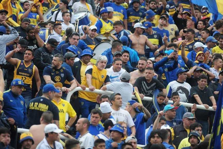 A fan of Boca attempts suicide after the match between Boca Juniors and River Plate