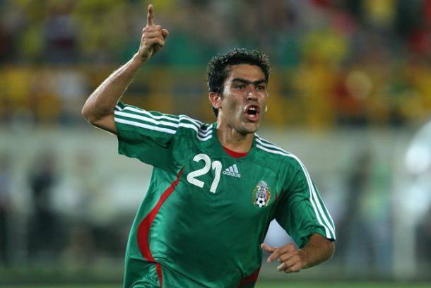 Nery Castillo, de jugar con México a montar una tienda de pesca en Grecia
