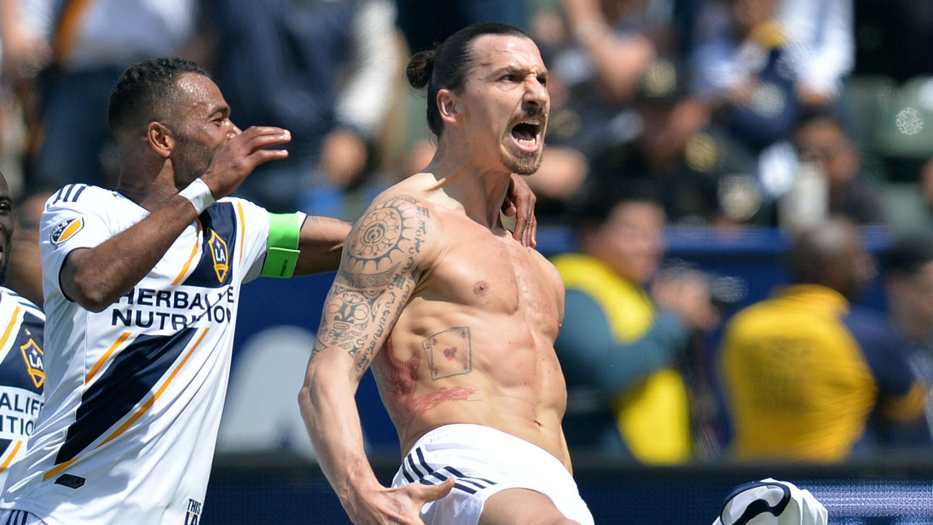No te pierdas el golazo de Ibrahimovic a los pocos minutos de debutar ¡una locura!