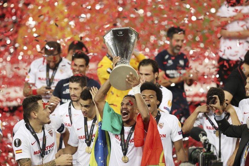 Los equipos españoles con más títulos internacionales