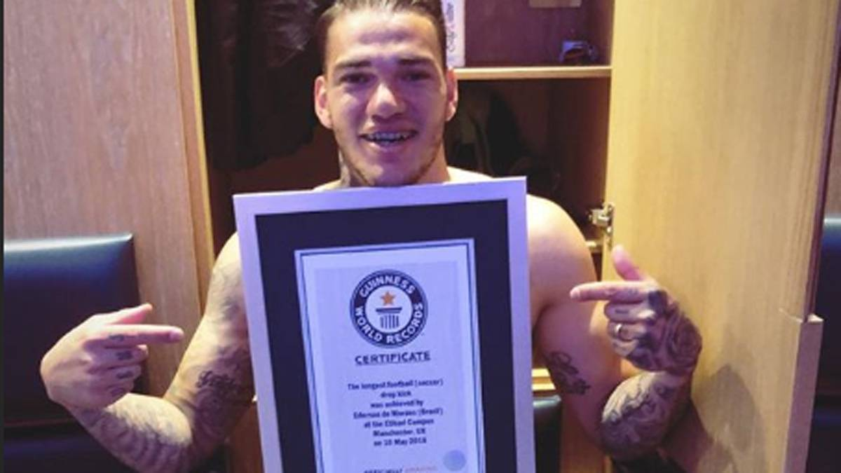 The amazing Guinness record Ederson Moraes