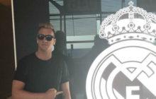 Un ex del Barça le dedica un feo gesto al escudo del Real Madrid