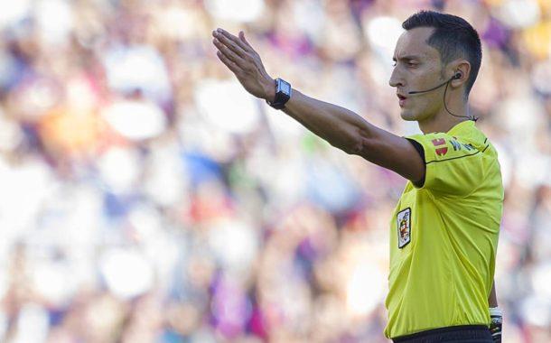 ¿Cuánto cobra un árbitro en las distintas categorías del fútbol español?