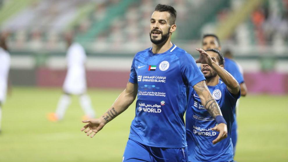 Álvaro Negredo se hincha a meter goles en los Emiratos