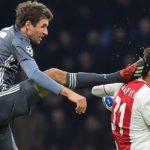 Terrible patada de Müller a Tagliafico, el alemán pide perdón al argentino en las redes