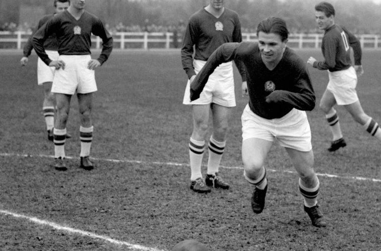 futbolistas de los años 60