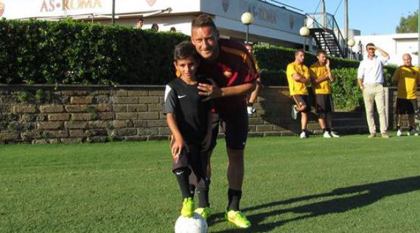Pietro Tomaselli with Totti