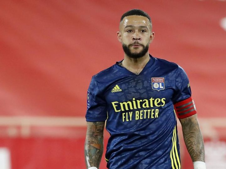 Barcelona in talks with Memphis Depay